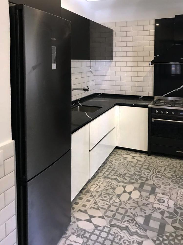 Izal Paisajismo Interiorismo Y Piscinas Empresa De Jardineria - Electrodomesticos-negros
