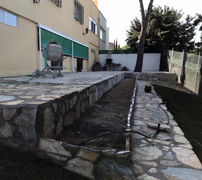 Bancadas de hormigón y piedra natural